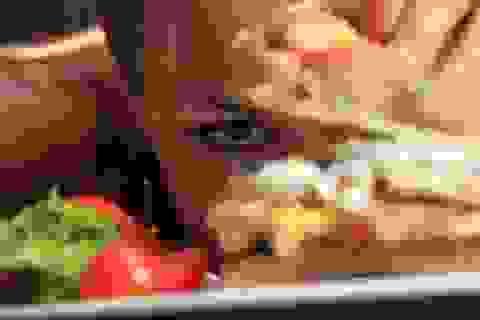 """""""Soi"""" chế độ ăn qua xét nghiệm nước tiểu"""