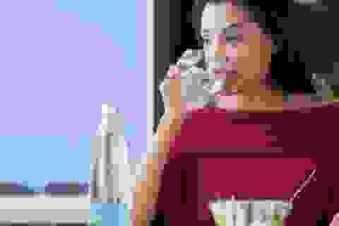 Tại sao không nên uống nước ngay sau khi ăn?