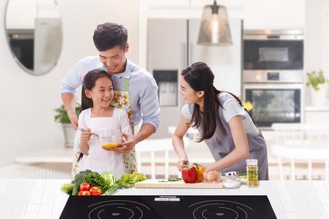 Sử dụng bếp ga hay bếp điện từ để nấu ăn?