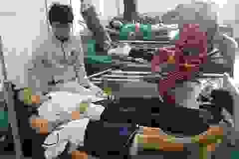 16 học sinh tiểu học nhập viện, nghi bị ngộ độc thực phẩm
