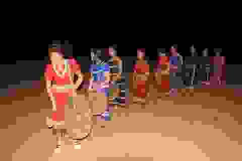 Độc đáo đội cồng chiêng nữ ở buôn K`Lên