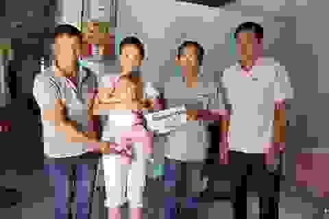 Hơn 135 triệu đồng đến với bé 7 tháng tuổi mắc hội chứng Apert hiếm gặp