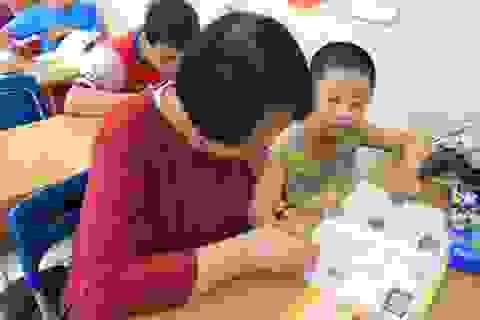 Cảm động bà lão 70 tuổi và lớp học tình thương đặc biệt giữa thủ đô