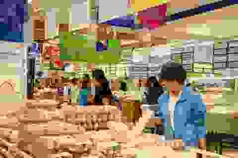 Dân Sài Gòn đi siêu thị đặt nồi thịt kho tết