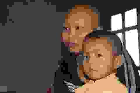 Nghẹn đắng cảnh 3 con thơ dại khi mẹ ung thư chờ chết, bố bỏ đi biệt tích