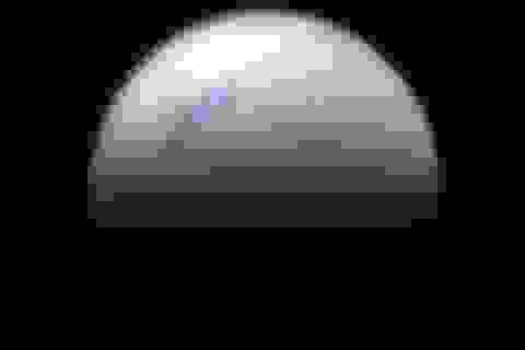 Những bức ảnh cận cảnh cuối cùng của sao Thổ do tàu vũ trụ Cassini chụp lại