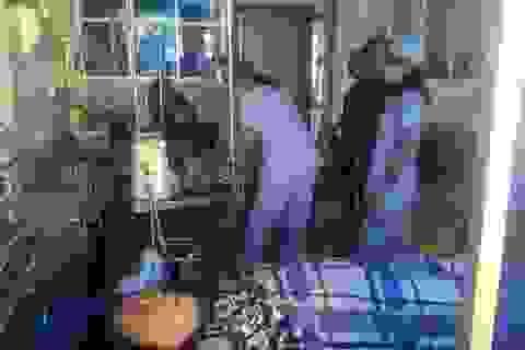 Bật máy phát điện lúc ngủ, gia đình 5 người nguy kịch