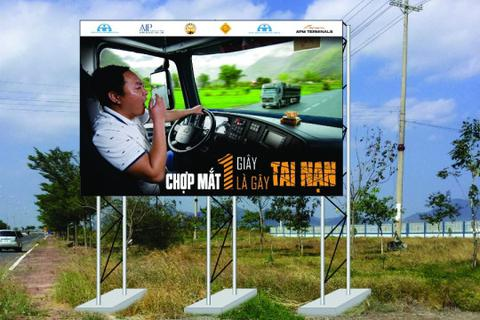 Lắp pano giúp tài xế chống mệt mỏi, buồn ngủ khi lái xe
