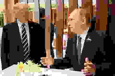 Tiết lộ thú vị về cuộc gặp kéo dài bất thường giữa Tổng thống Trump - Putin