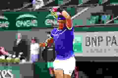 Roland Garros: Nadal thắng siêu tốc, Djokovic thi đấu đủ năm set