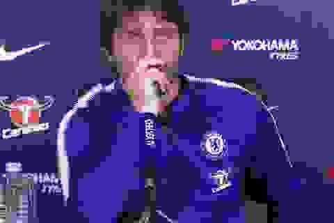 """Chelsea có tiếp tục """"thổi lửa"""" vào vị trí của MU?"""