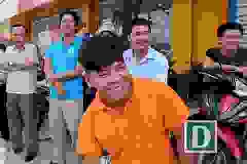 """Nghỉ việc, """"xí"""" chỗ từ sớm bên đường để chào đón các nguyên thủ về dự APEC"""
