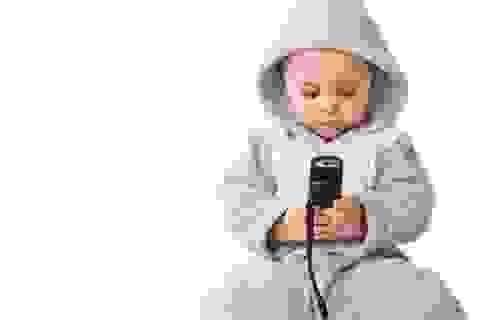 Cục quản lý cạnh tranh khuyến cáo nguy cơ mất tiền oan khi cho trẻ tiếp xúc internet