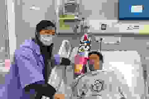 """Bác sĩ BV Bạch Mai """"bắt ma"""" cứu sống người bệnh"""