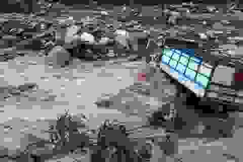 Hình ảnh huyện rốn lũ ở Hòa Bình bị tàn phá, cô lập hoàn toàn