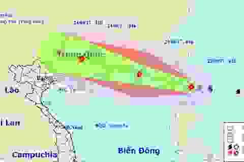 Bão Hato gần Biển Đông đang có xu hướng mạnh lên