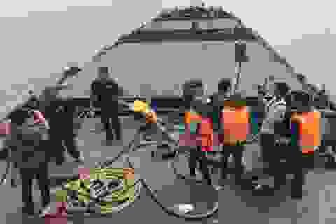 """Bắt giữ 8 tàu vươn vòi """"bạch tuộc"""" hút cát trên vùng biển TPHCM"""