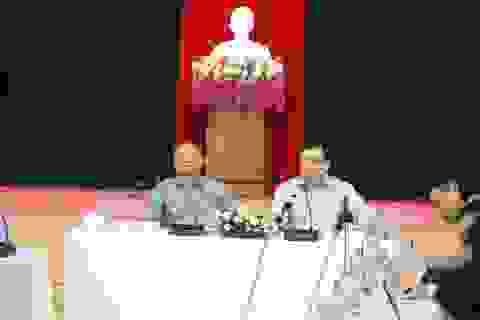 Bí thư, Chủ tịch Đà Nẵng chủ trì họp khẩn khắc phục mưa bão trước giờ khai mạc APEC