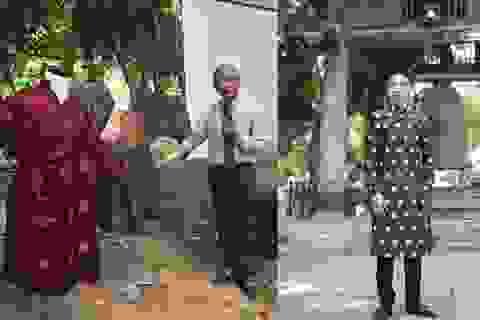 """""""Đừng áp đặt áo dài đời thường vào quy chuẩn quốc phục nghi lễ"""""""