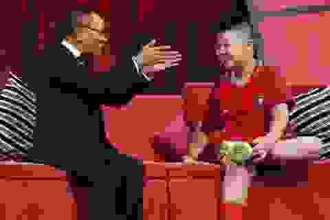 """Cậu bé 8 tuổi khiến MC Lại Văn Sâm """"choáng"""" khi tự định giá... 9 triệu bảng Anh"""
