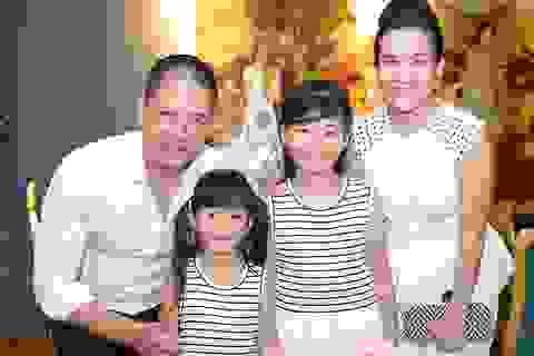 Vợ chồng Bình Minh ăn bữa tối lãng mạn; ấm áp trong tiệc sinh nhật con gái