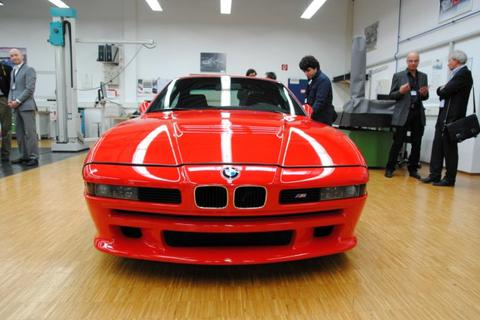 """BMW chuẩn bị """"hồi sinh"""" huyền thoại M8"""