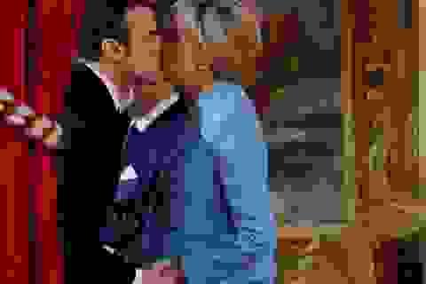 Cư dân mạng so sánh váy của phu nhân Tổng thống Pháp với Melania Trump