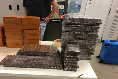 Vụ buôn lậu 16.900 điếu cigar: Xem xét khởi tố vụ án