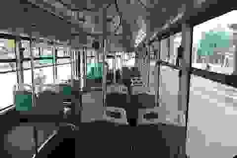 Buýt nhanh BRT chỉ chở vài hành khách khi chạy trên đường?