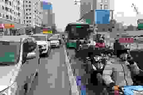 Thủ tướng: Xử lý nghiêm hành vi cản trở hoạt động của xe buýt nhanh