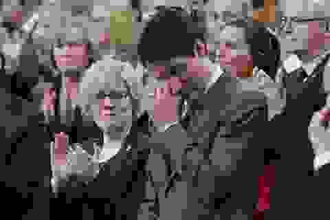 Thủ tướng Canada bật khóc xin lỗi người đồng tính