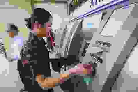 Ngân hàng tạm ứng 129 triệu đồng cho chủ thẻ ATM bị mất tiền
