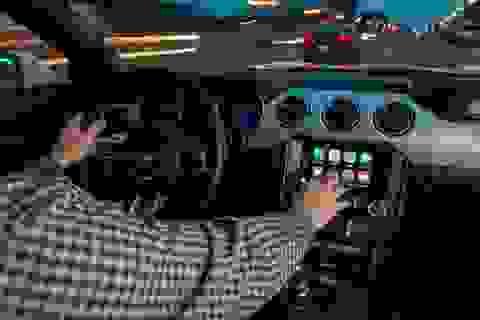 Apple bị kiện vì không khoá FaceTime của iPhone dùng trên ô tô