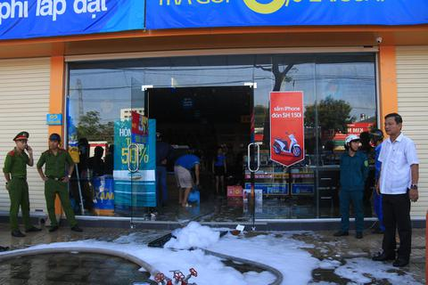Cháy siêu thị điện máy Xanh ở Đà Nẵng