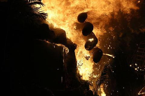 Bất ngờ cháy lớn tại buổi ra mắt phim Kong: Skull Island tại TP.HCM