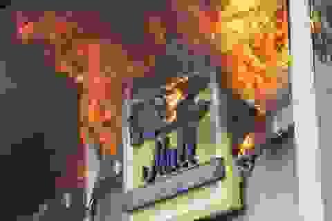 Cháy dữ dội ở trung tâm thương mại Philippines, gần 40 người chết