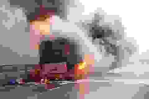 Xe giường nằm cháy trơ khung trên quốc lộ 1A