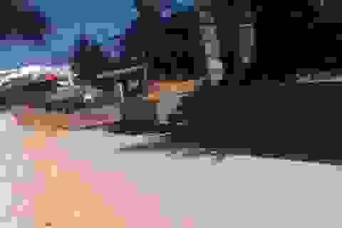 Thanh niên nghi ngáo đá chém đứt gân tay cảnh sát khu vực