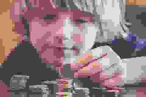 Có nên khuyến khích con làm việc nhà bằng cách thưởng tiền?