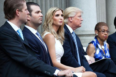 Tổng thống Trump bị chỉ trích vì bênh con gái