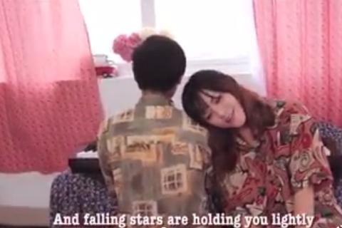 Nữ sinh Ngoại thương viết lời tiếng Anh cho hit của Sơn Tùng M-TP