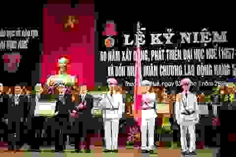 Đại học Huế đón nhận Huân chương Lao động hạng Nhất nhân 60 năm thành lập
