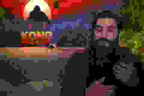 """TPHCM: Xử lý nhanh vụ đạo diễn phim """"Kong: Skull Island"""" bị hành hung"""