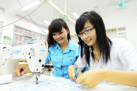 Học ngành Dệt may – Da giầy và Thời trang ở ĐH Bách khoa như thế nào?