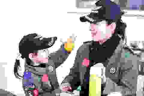 Huỳnh Dịch hạnh phúc khi được đoàn tụ cùng con gái