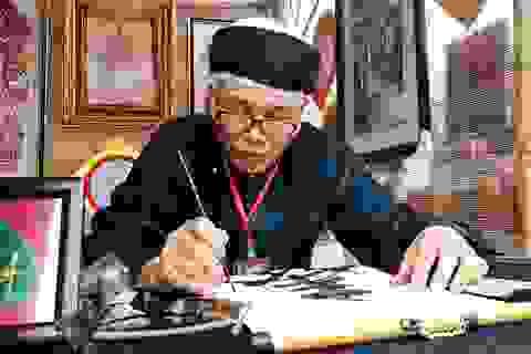Hà Nội: Các ông đồ khai bút, cho chữ trong hồ Văn
