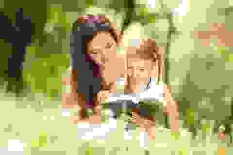 Sách là người thầy, người bạn gắn bó với tôi