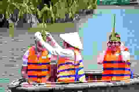 """Hội An chấn chỉnh tình trạng """"bát nháo"""" ở rừng dừa Bảy Mẫu"""