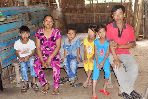 Cuộc sống khốn khó của chị em sinh đôi mang tên Mỹ Nhân, Mỹ Ái