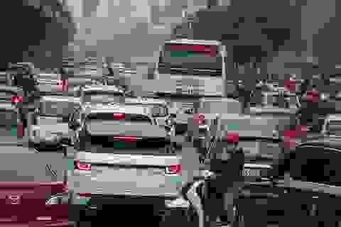 Hà Nội: Ùn tắc kéo dài trên nhiều tuyến phố